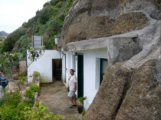 Cave Living and The Canary Island Caves