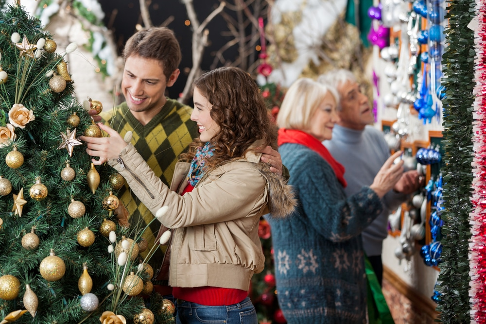 YOUR PLACE OR HERS?: HOW TO DECIDE WHERE TO SPEND THE HOLIDAYS
