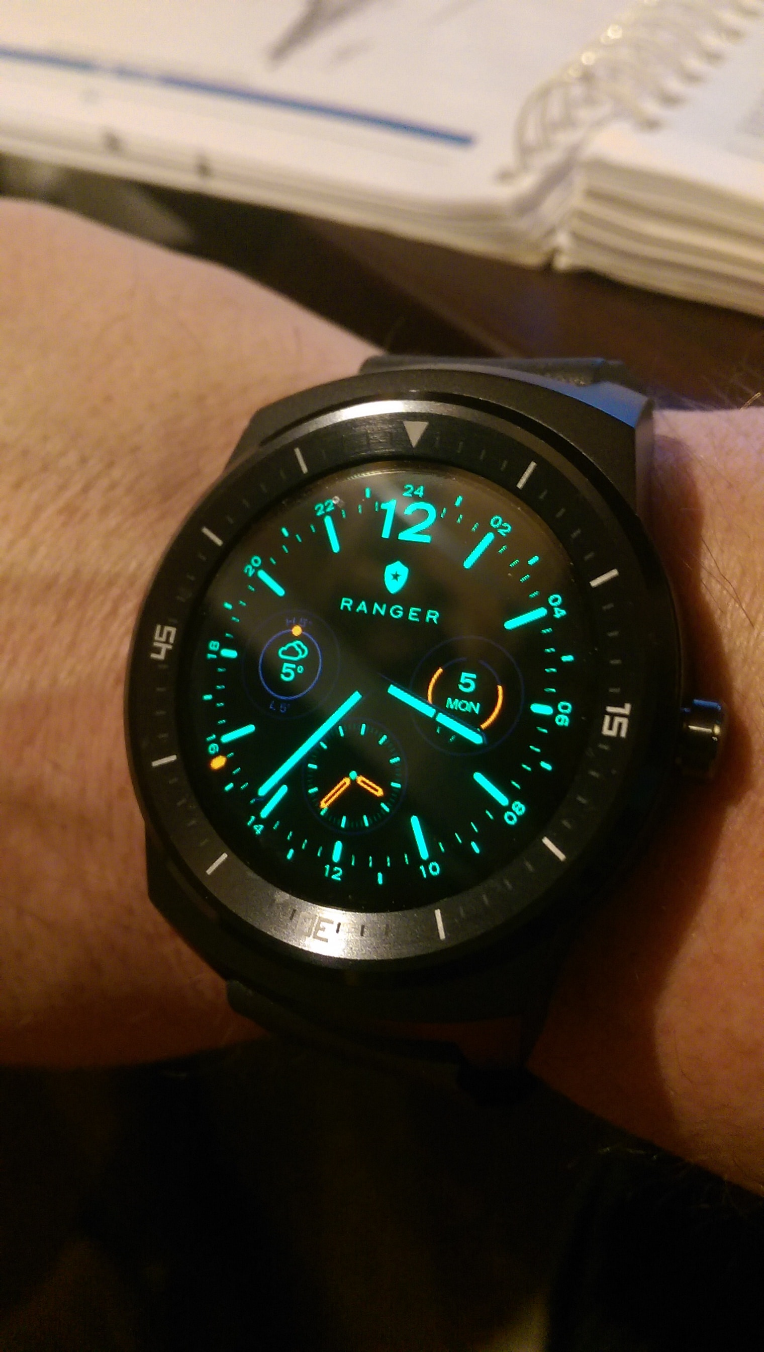 New Year Tech Review :  LG G Watch R Wearable Technology
