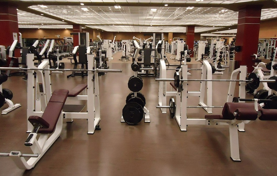 machines and weights in the gym